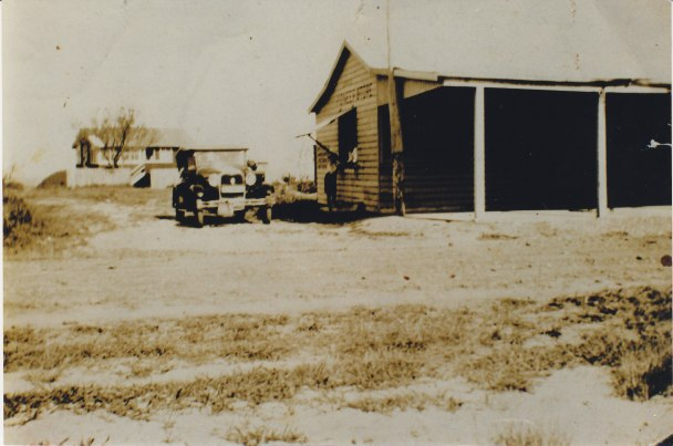 F1; B3-17 Hutley Shop