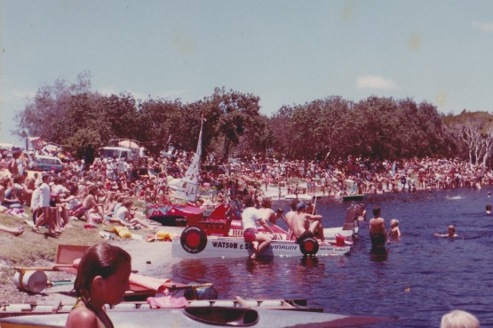 Crazy_Boat_Race_1981